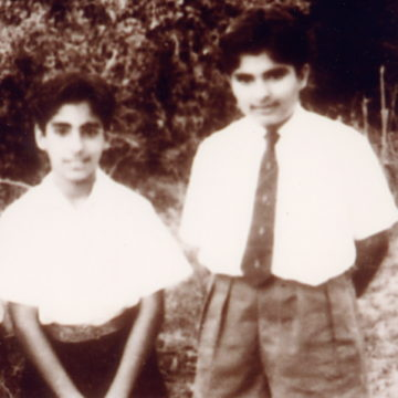 Deepak Chopra (right) and his brother Sanjiv Chopra